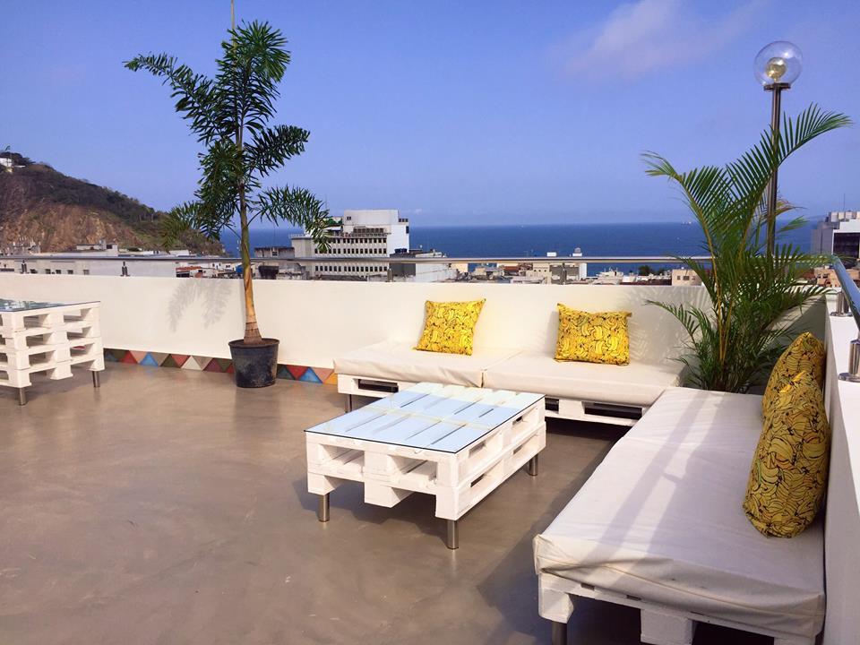 Rooftop com bar e vista 360 para a cidade  maravilhosa, melhor maneira de relaxar ao entardecer