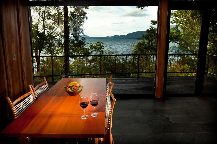 11_Living_con_vista_Lago_Villarrica_6_Casa_Lago__Lake_House_Hotel_Antumalal_Pucon_Chile