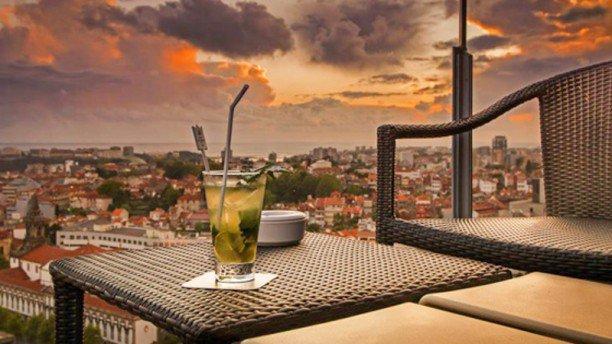 Bar Hotel Dom Henrique. Porto. Portugal, luxo, restaurantes