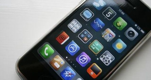 No Brasil, quase metade das transações mobile são realizadas por meio de apps