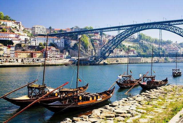 Ribeira, Porto, Portugal, Cais da Ribeira. Luxo, restaurantes