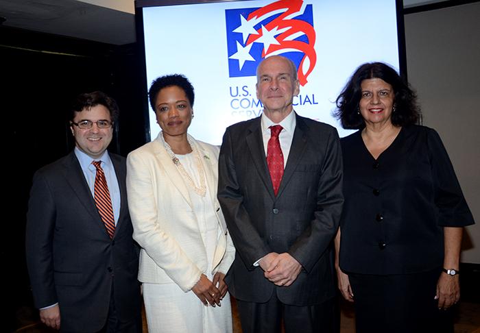Ricardo Zuniga, consul geral, Camille Richardson, conselheira comercial, Michael Mckinley, e Jussara Haddad