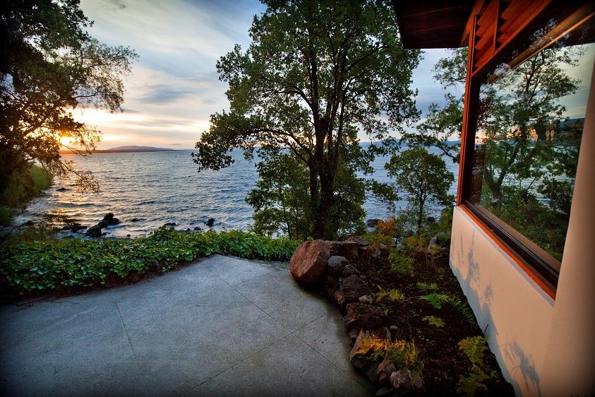 16_Vista_al_Lago_Villarrica_desde_terraza_de_Casa_Lago__Lake_House_Hotel_Antumalal_Pucon_Chile