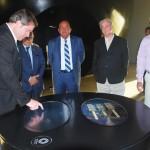 O ministro grava sua passagem pelo museu