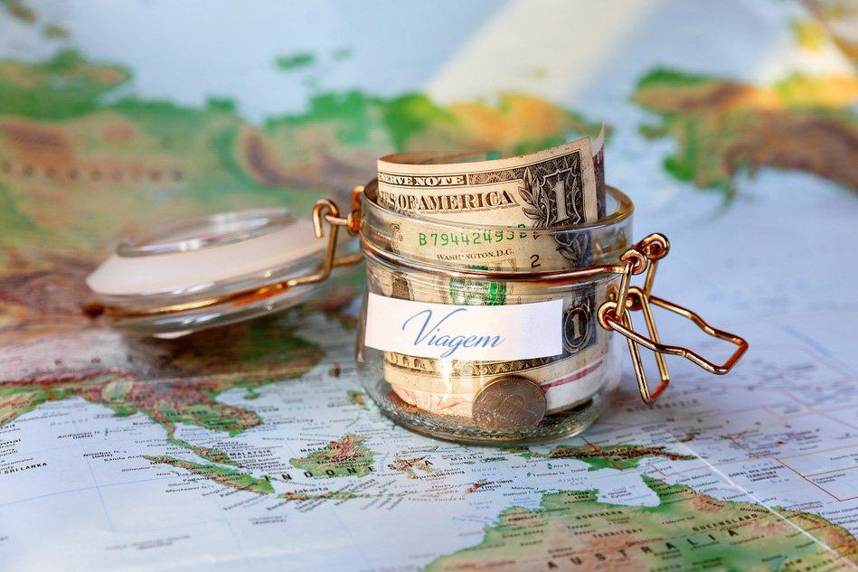 8_simples_atitudes_para_mudar_agora_mesmo_e_economizar_para_suas_viagens