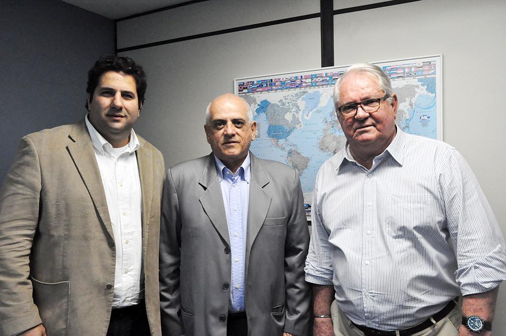 Roy Taylor e Vitor Bauab, do ME com Dilson Jatahy Fonseca Jr, da ABIH Nacional
