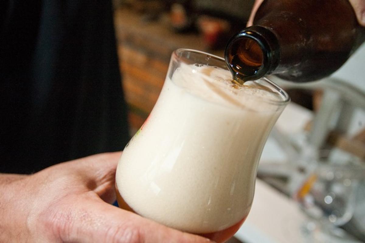 Visita permite conhecer as fábricas e cervejarias artesanais e experimentar diversas tipos de cervejas e chopes - Marco Santiago/Arquivo/ND