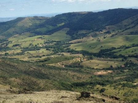 Vista a caminho do Alto do Cruzeiro (Foto: Gabriela Mendes)