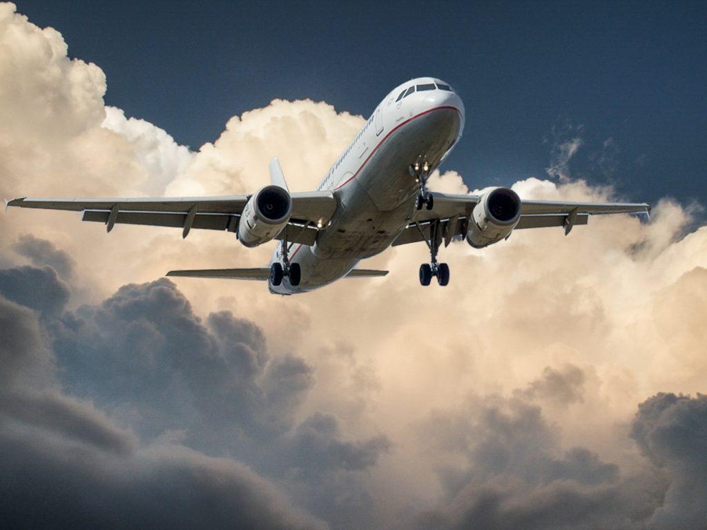 Especialistas da Mayo Clinic ajudam na orientação sobre medidas de segurança contra a COVID-19 da Delta Air Lines