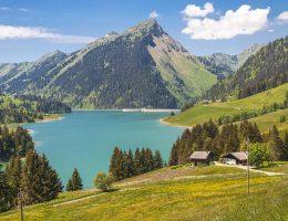 Turistas brasileiros vacinados poderão entrar na Suíça a partir de 26 de junho.